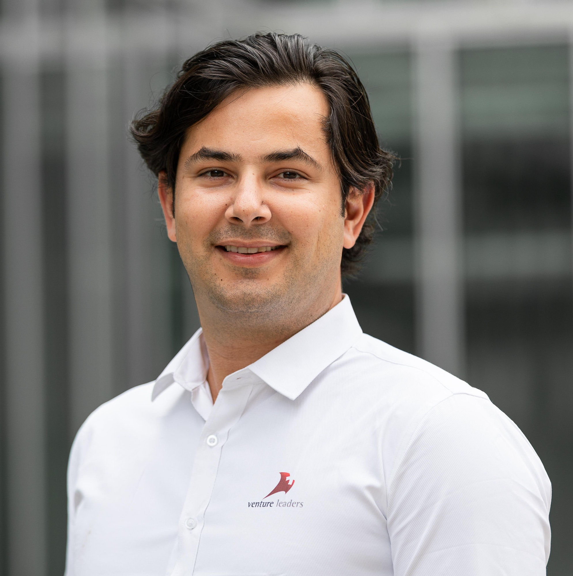 Meet CurioInvest CEO Rey Fernando Verboonen and find out how Wikipedia helps him fall asleep